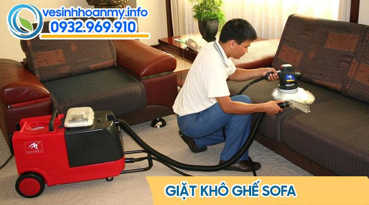 Giặt khô ghế sofa mang lại hiệu quả cao và chống hư hỏng